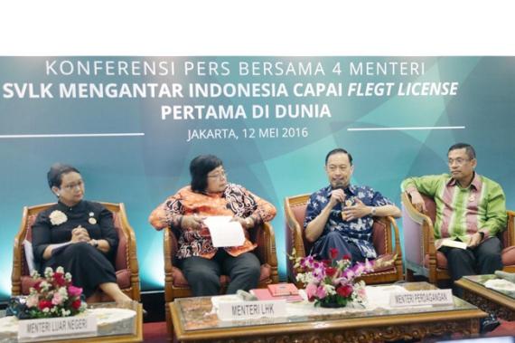 __mendag-menghadiri-acara-konferensi-pers-bersama-4-menteri-1-1463042370