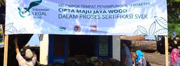Portal-Registered-timber-yarn-in-certification-process,-Jepara,-Central-Java---MFP